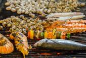 Grilled sea food on the grill — Stock Photo
