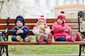 Children on the bench — Stock Photo