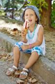 Happy child with ice cream — Stock Photo