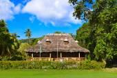 Retro colonial house at Seychelles — Stock Photo