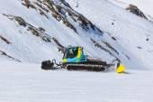 Snowplow at Mountains ski resort - Innsbruck Austria — Stock Photo