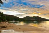 Tropical sunset at Seychelles — Stock Photo