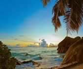 Sunset on beach Source D'Argent at Seychelles — Stock Photo