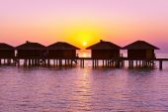 Water bungalows on Maldives island — Stock Photo