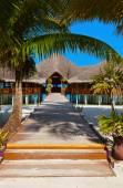 熱帯のモルディブ島のカフェ — ストック写真