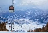 Montanhas de esqui resort zell-am-see áustria — Fotografia Stock