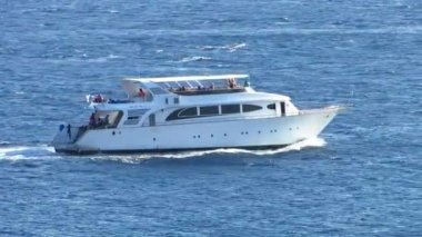 Motor yacht — Stock Video