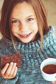Child drinking tea — Stock Photo