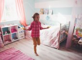 Child at home — Stock Photo