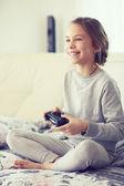 Enfant jeu vidéo — Photo