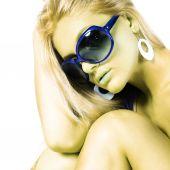 Kadın güneş gözlüğü — Stok fotoğraf