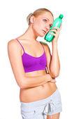Frau mit flasche wasser — Stockfoto