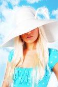 Girl in the hat — Stockfoto