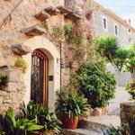 Street old traditional houses at Waldemossa, Mallorca island — Stock Photo #69932417