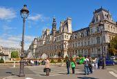PARIS - AUGUST 18: The Hotel de Ville on August 18, 2014 in Paris. This building has been used as the location of the municipality of Paris since 1357 — Stock Photo