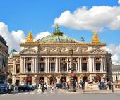 Opera Garnier in Paris, France. Opera House placed in Place de L'Opera. Designed by Charles Garnier in 1875. Neo Baroque Style. — Stock Photo