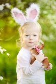 Girl wearing Easter bunny ears — Foto de Stock
