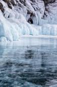 скалы на озере байкал зимой — Стоковое фото