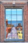 The window reflection of Nyhavn townhouses in Copenhagen. — ストック写真