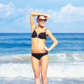 Beautiful woman in bikini — Stock Photo