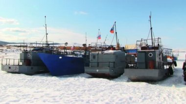 Ships in frozen lake — Stock Video