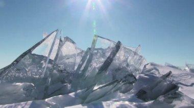 Ice on blue sky background — Стоковое видео