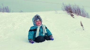 Little kid Rest Outdoor in Winter — Stock Video