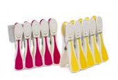 Clothespin clips isolated  — Stock Photo
