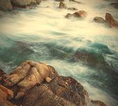 Surf and coastal rocks — ストック写真