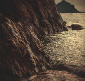 Sunset near ancient cliff, marine landscape — 图库照片