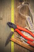 Vintage tool set and safety gloves and glasses — Stockfoto