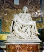 Sculpture Pieta of Michelangelo — Stock Photo