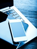 Keyboard with phone and tablet pc — Stock Photo