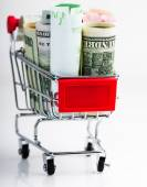 Koszyk pełen pieniędzy — Zdjęcie stockowe