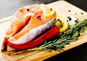 Salmon with rosemary and lemon — Stock Photo