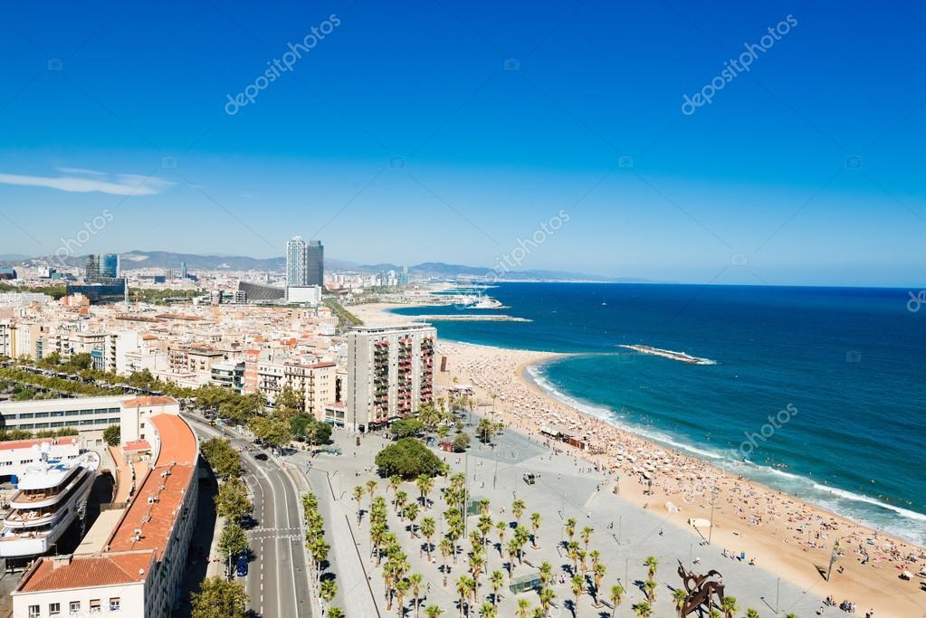 Barceloneta beach barcelona foto stock valphoto 68245619 for Alberghi barcellona sul mare