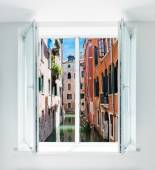 Venice, Italy seen through the window — Foto de Stock