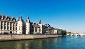 Castle Conciergerie and bridge — Stock Photo
