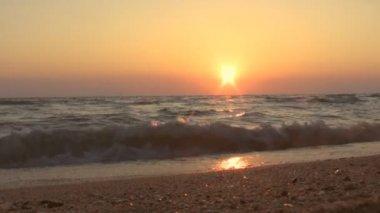 Beautiful sunset at the beach — Stock Video