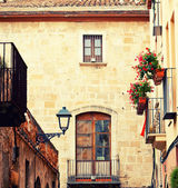 Charming street in Tarragona — Stock Photo