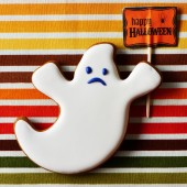 Halloween homemade gingerbread cookie — Stock Photo