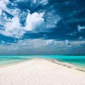 Hermosa playa en maldivas — Foto de Stock