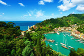 Portofino village on coast — Stock Photo