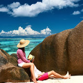 Couple on a beach at Seychelles — Stock Photo