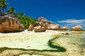 Beautiful beach at Seychelles — Stock Photo
