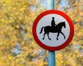 Road sign with horse patrol icon — Stock Photo