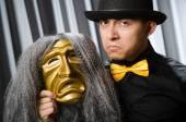 Zábavný koncept s divadelní maskou — Stock fotografie