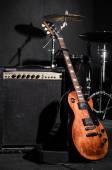 Conjunto de instrumentos musicales durante concierto — Foto de Stock