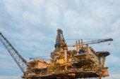 Oil rig platform in the calm sea — Stock Photo