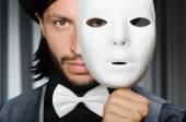 Concetto divertente con maschera teatrale — Foto Stock